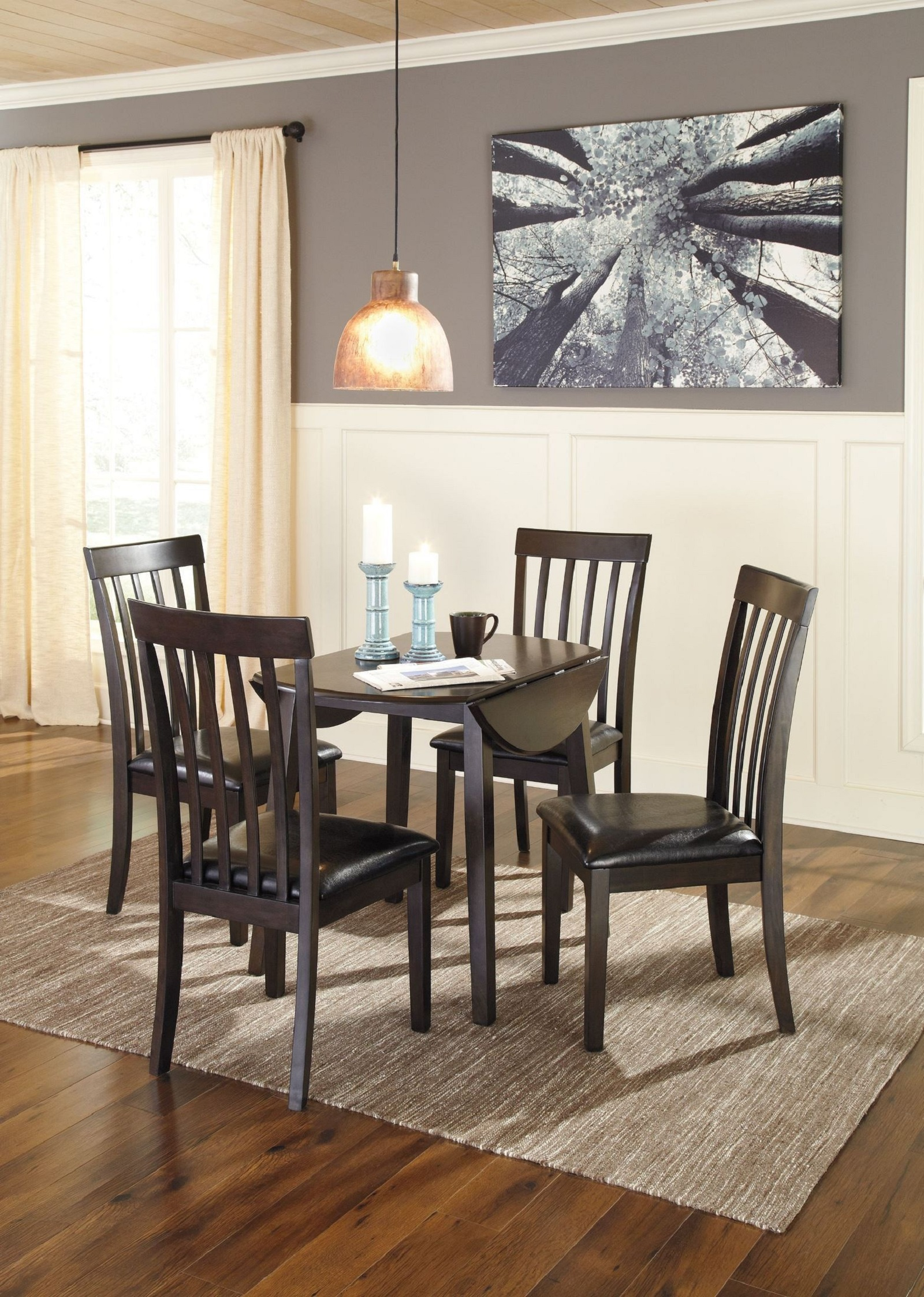 Signature Design by Ashley Hammis 5 pc Table and Chairs