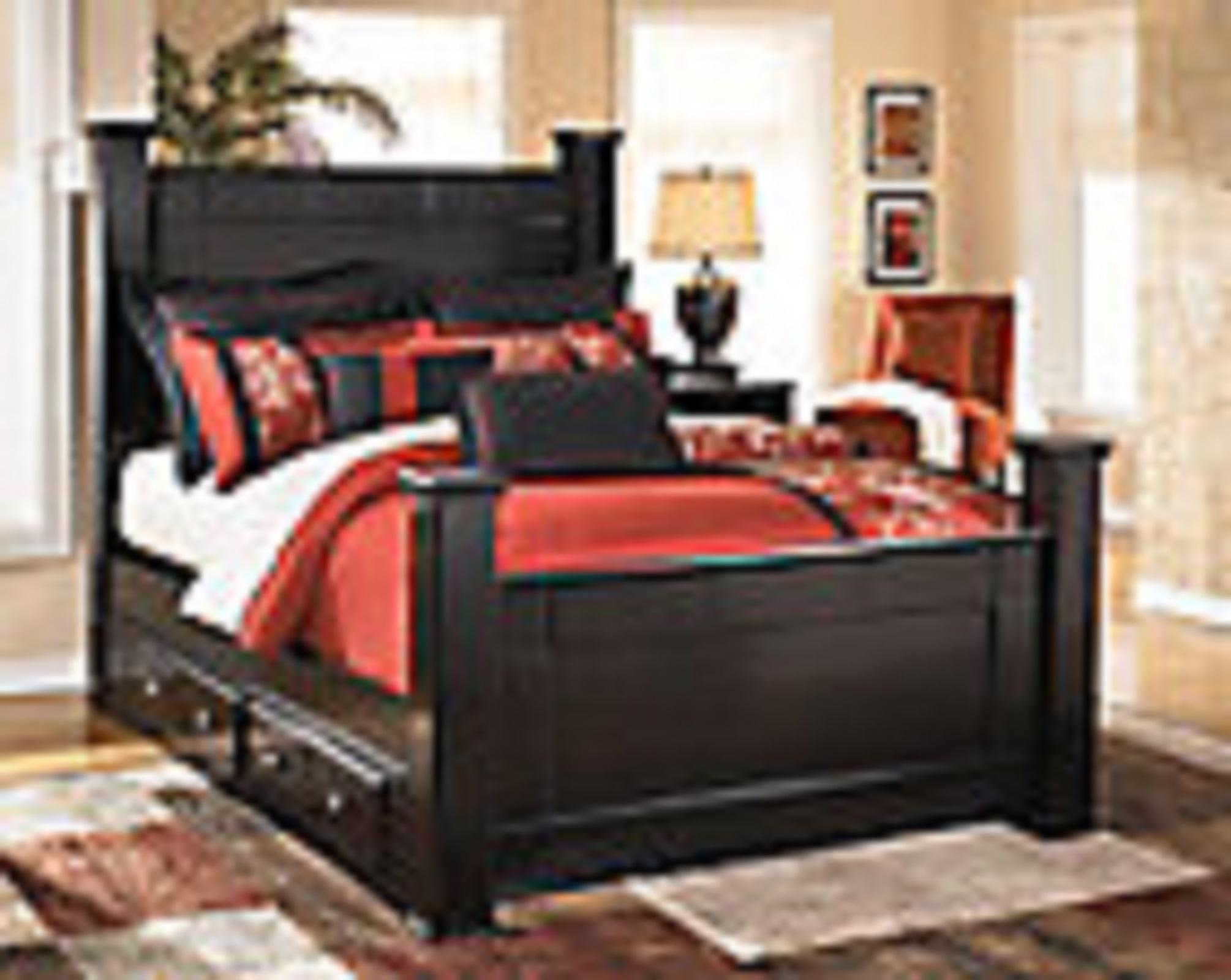 Queen Poster Storage Bed