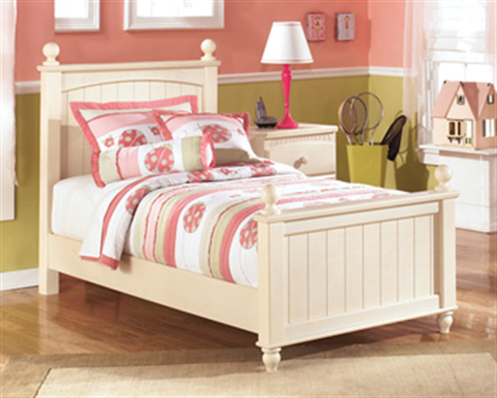 Cottage Retreat Poster Bed - Twin - Cream Cottage