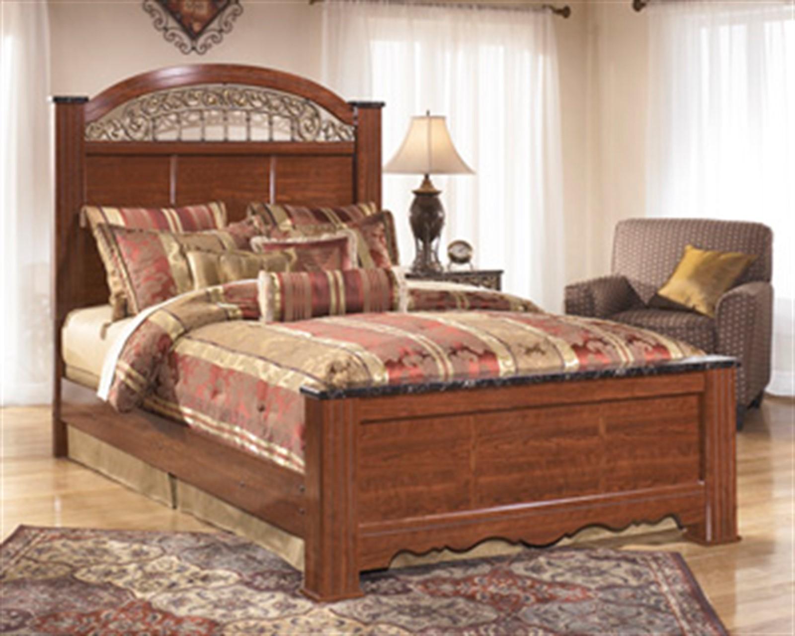 Fairbrooks Estates Queen Bed