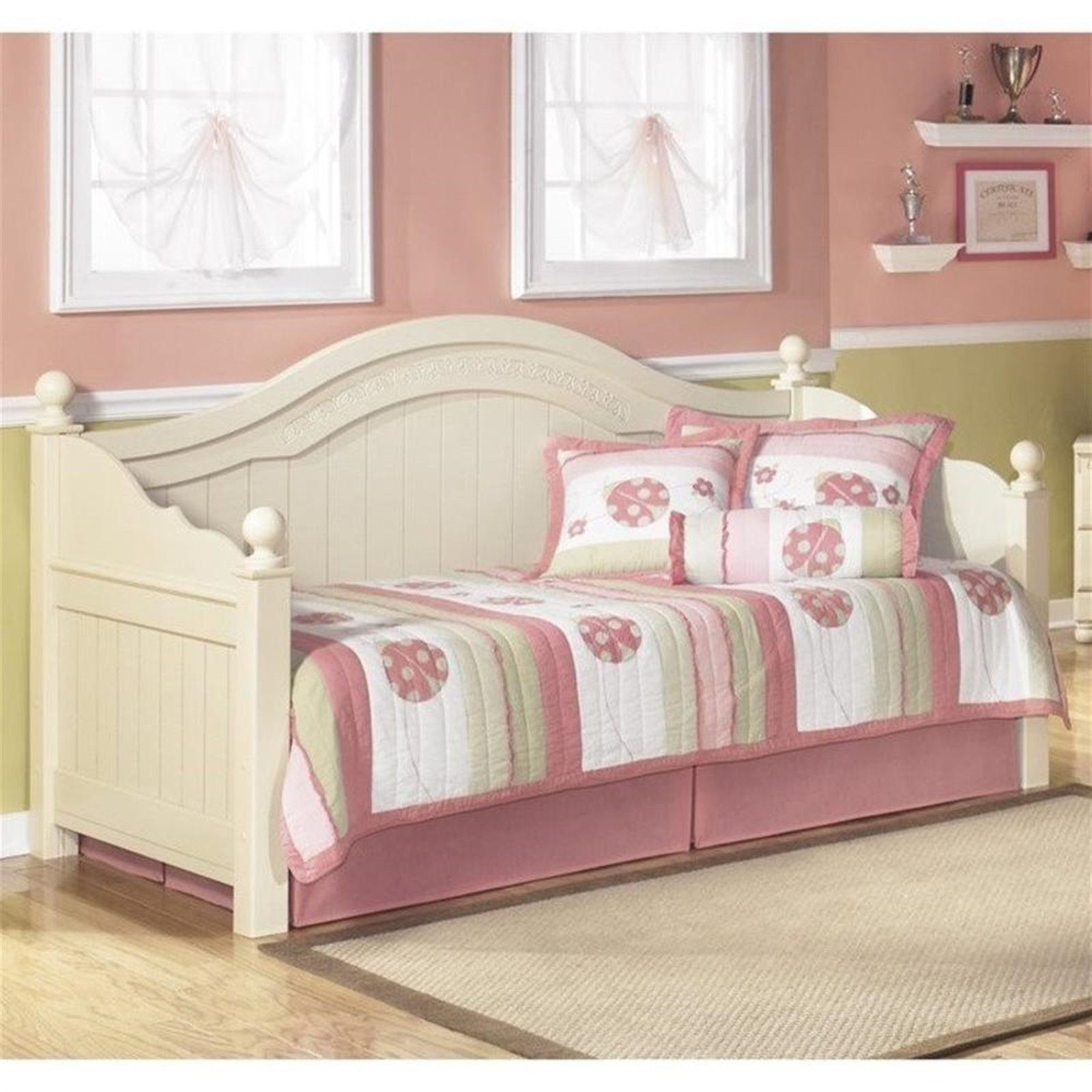 Cottage Retreat Cream Twin Day Bed
