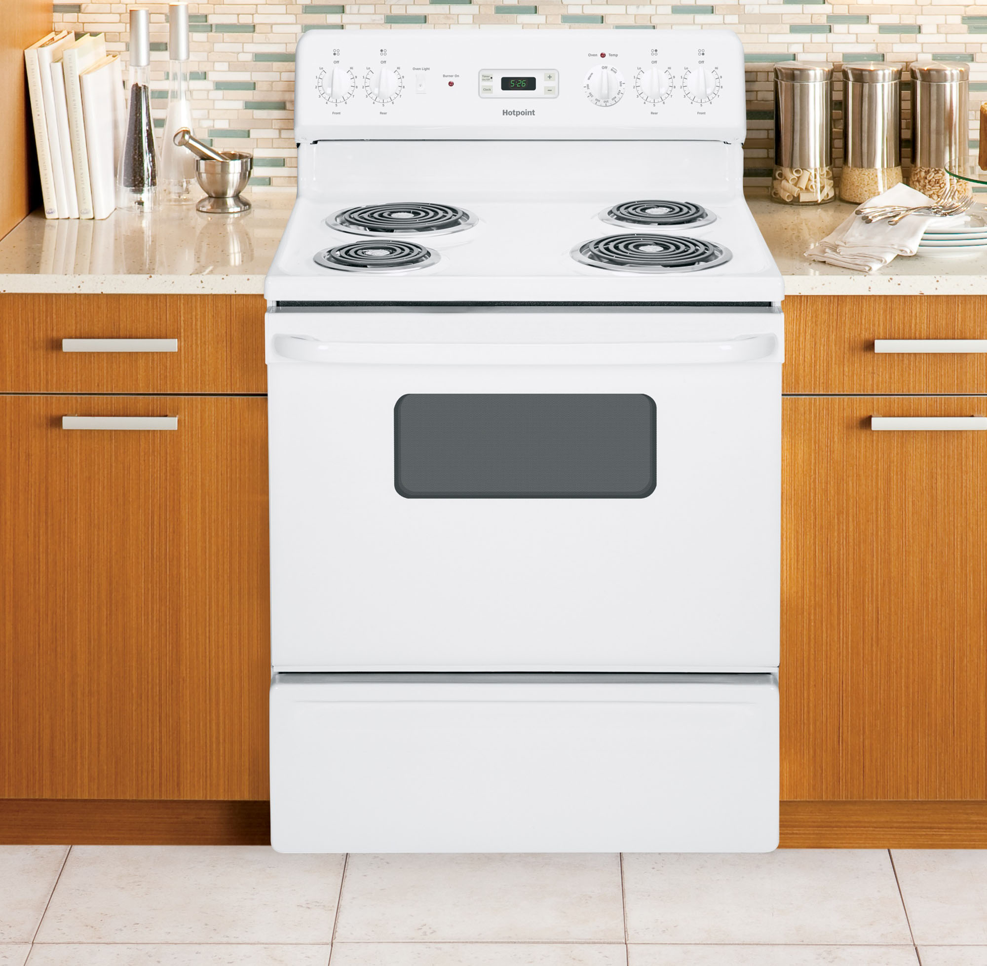 Hotpoint RB526DHWW 5.0 cu. ft. Freestanding Electric Range - White