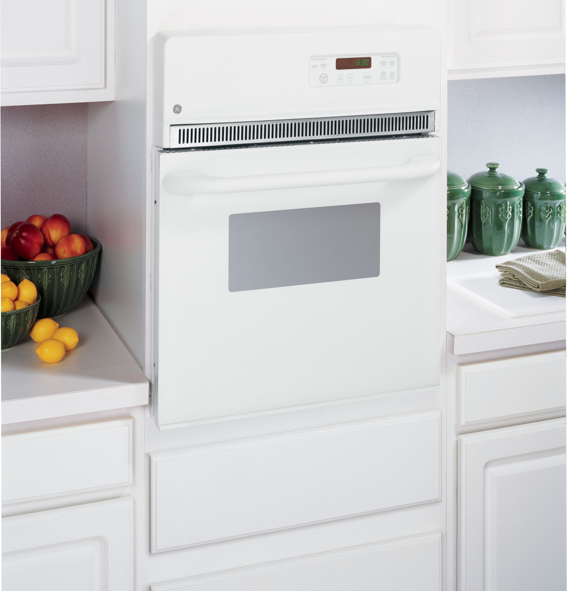 "GE Appliances JRP20WJWW 24"" Electric Single Self-Clean Wall Oven"