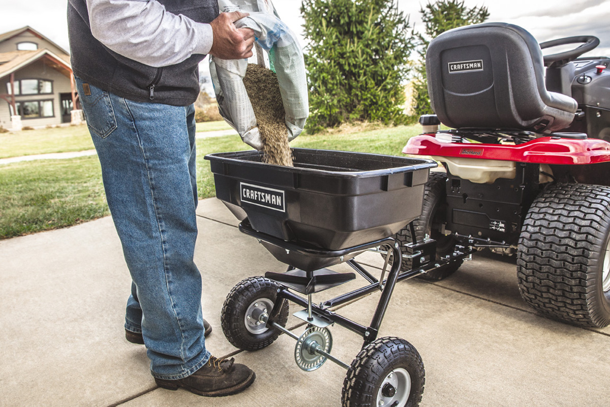 Craftsman Universal Broadcast Spreader
