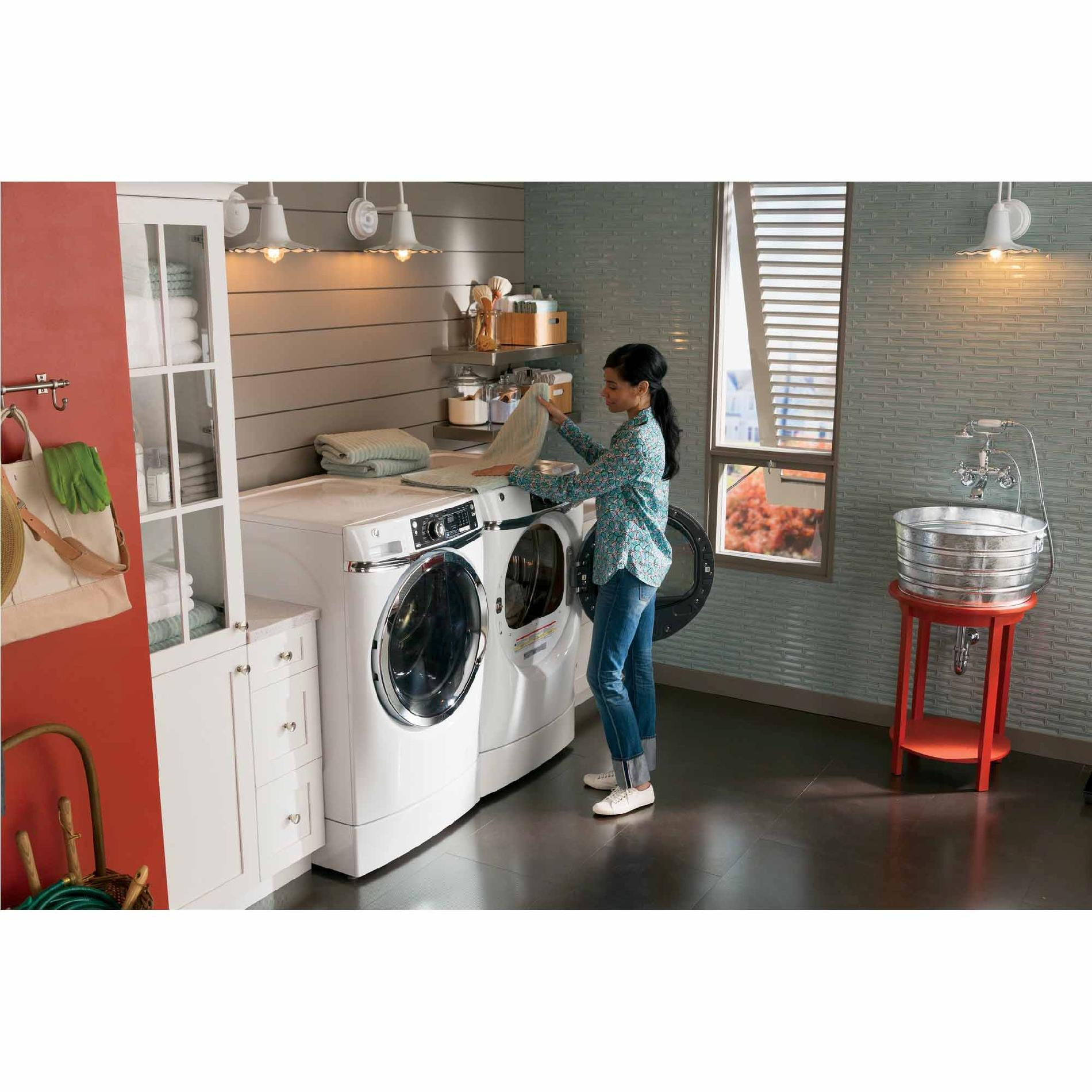 GE Appliances GFWR2700HWW 4.5 cu. ft. RightHeight™ Design Front-Load Washer - White