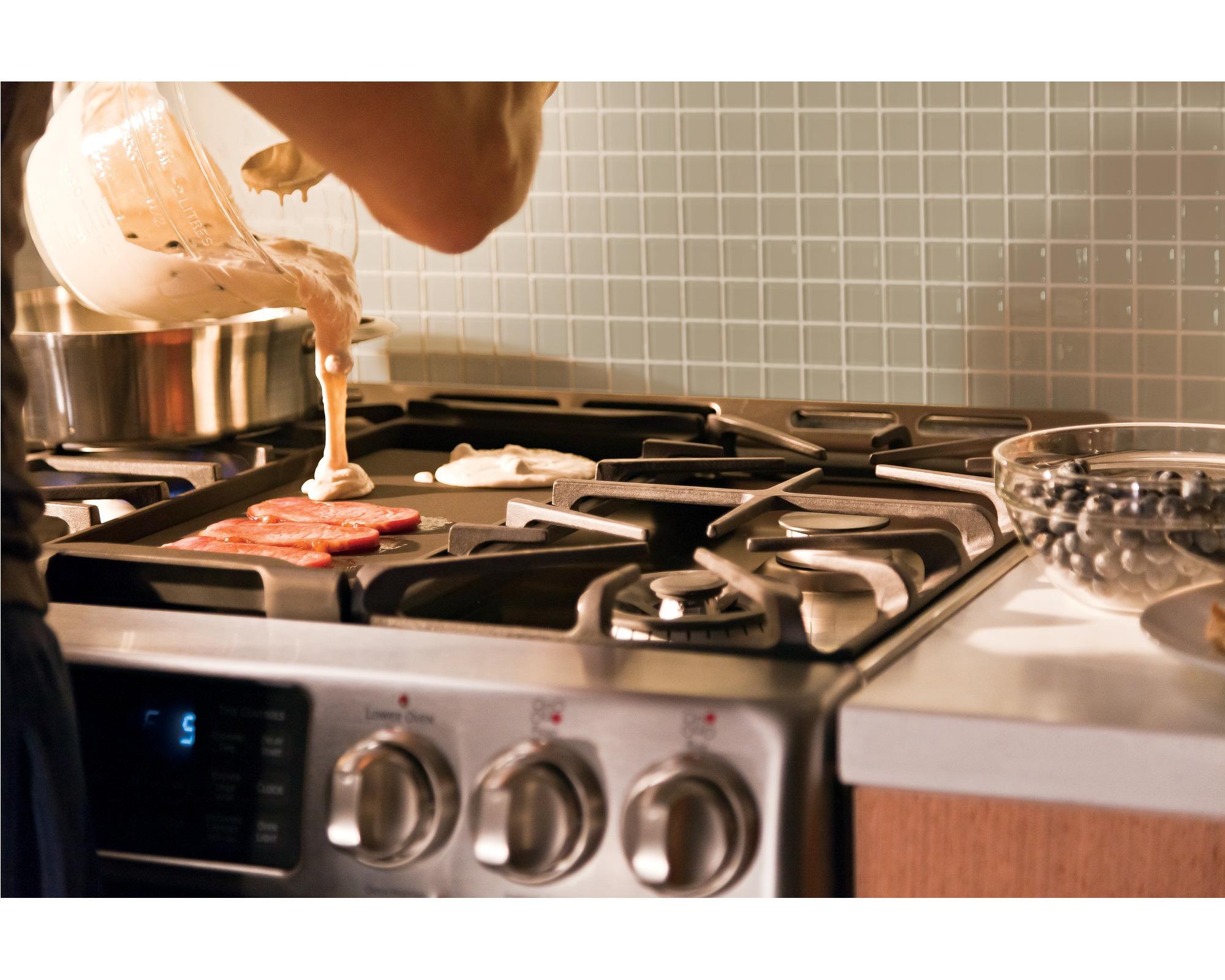 GE Cafe™ Series CGS985SETSS 5.4 cu. ft. Freestanding Gas Range w/ Baking Drawer - Stainless