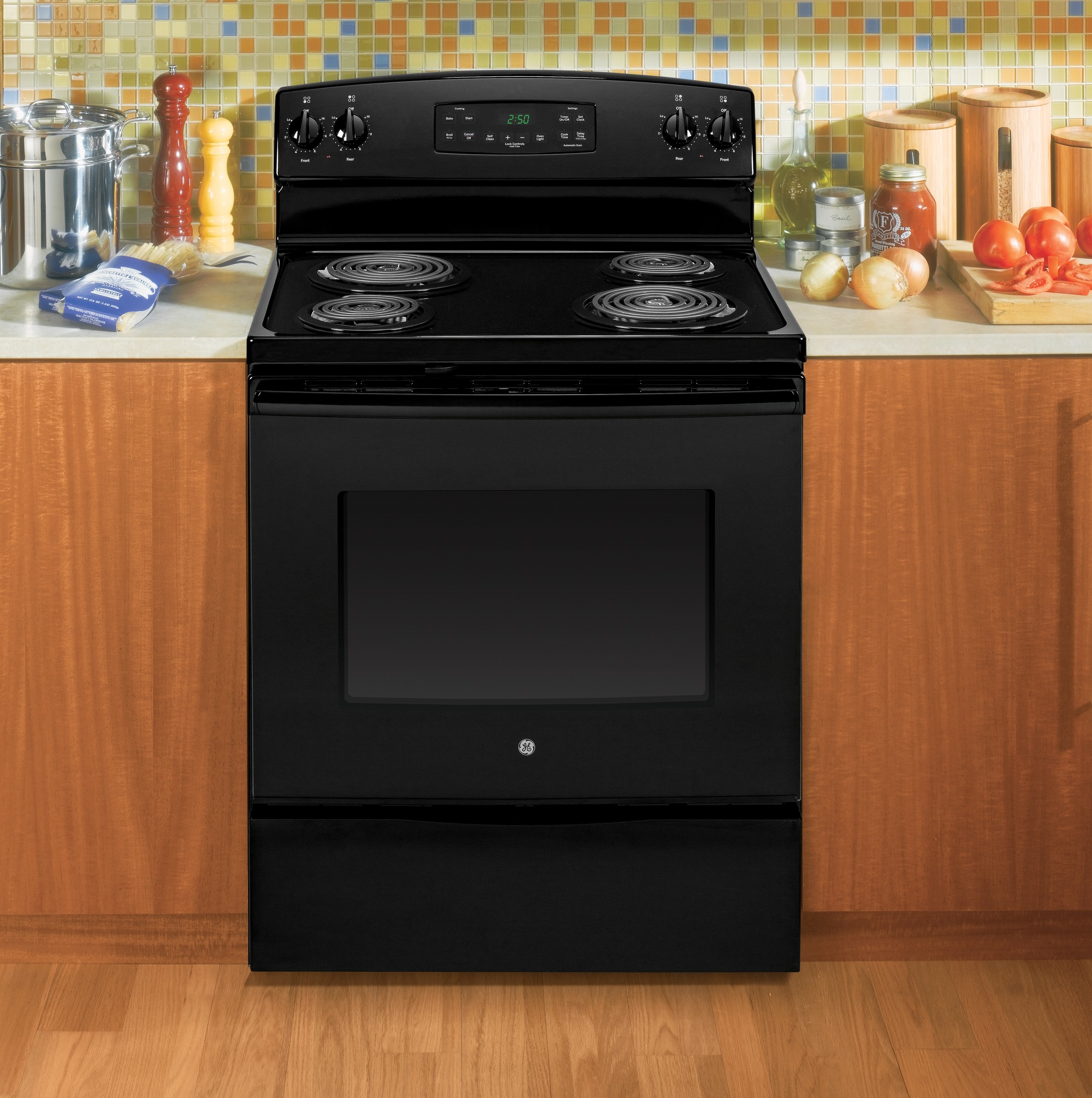 GE Appliances JB250DFBB 5.3 cu. ft. Free-Standing Electric Range - Black