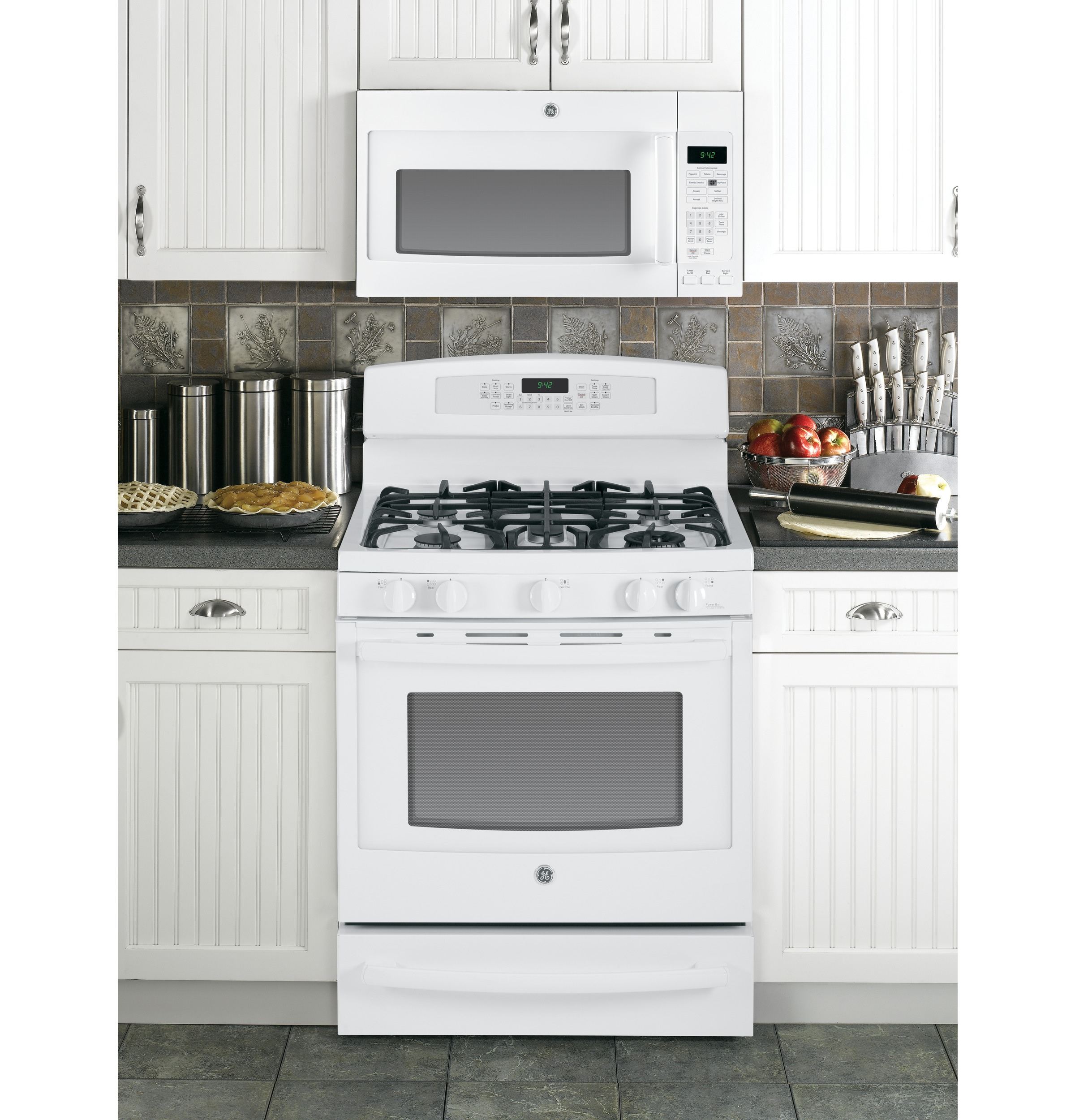 GE Profile 5.6 cu. ft. Dual-Fuel Freestanding Range w/ Warming Drawer - White