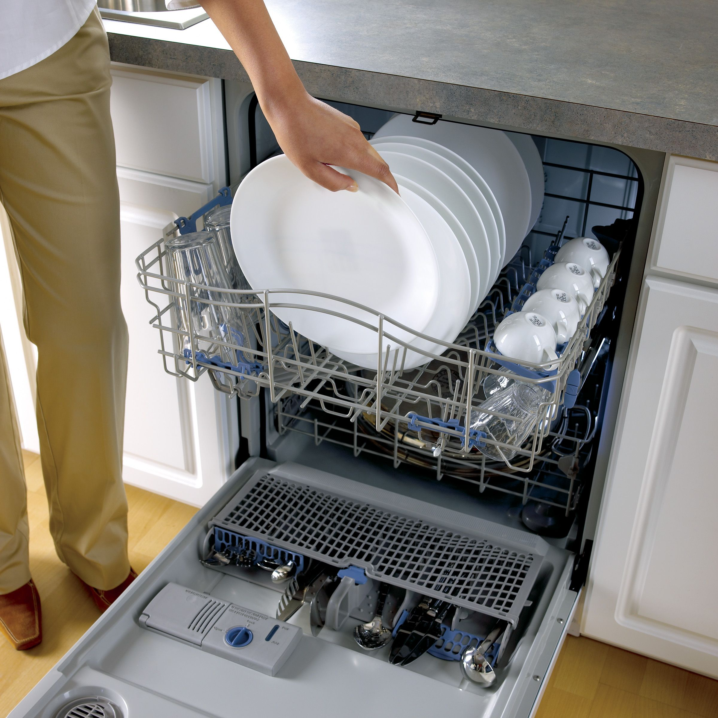 Whirlpool Gold 24 in. Built-In Dishwasher