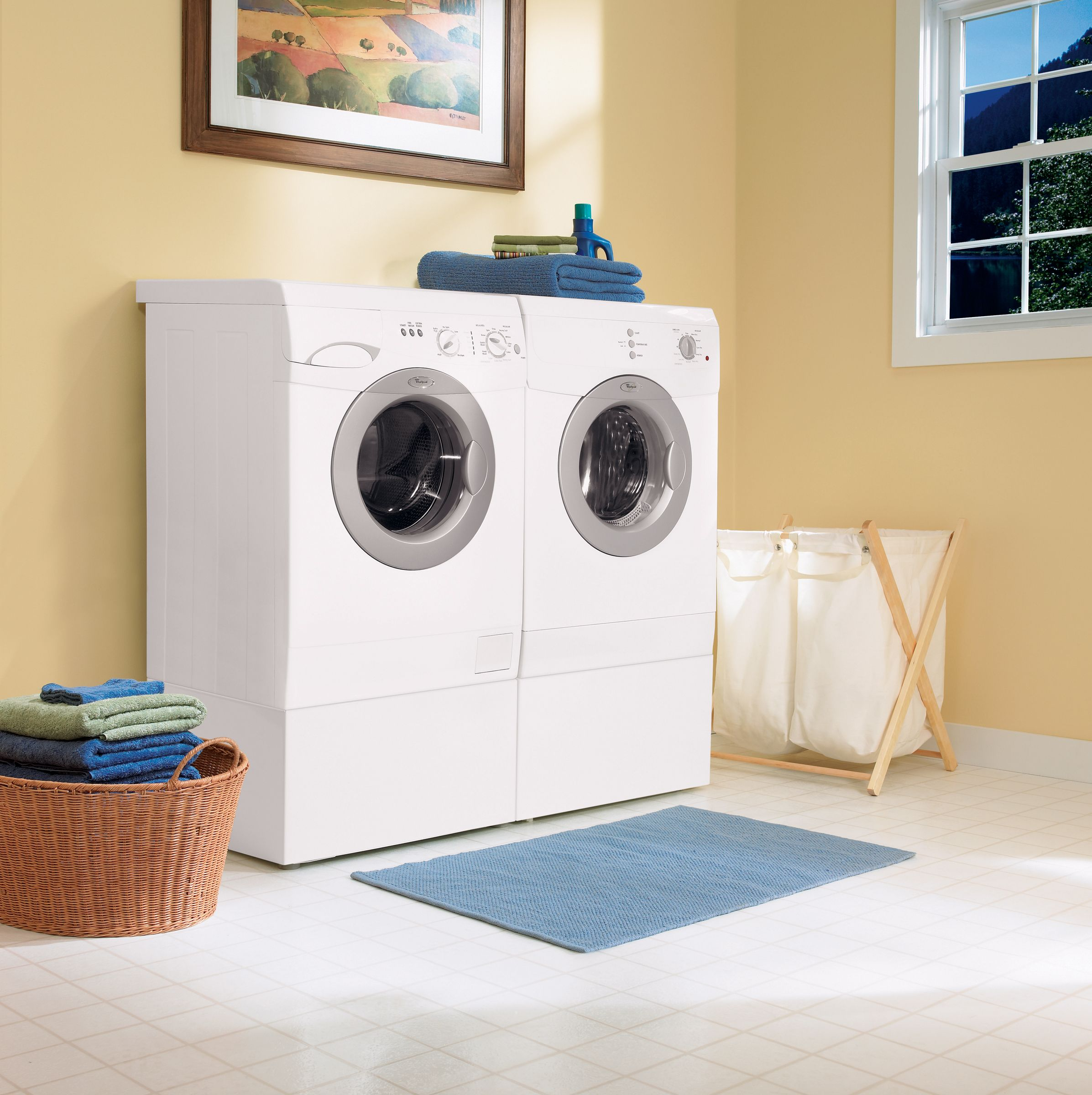 Whirlpool 2.9 cu. ft. Capacity High Efficiency Front Load Washer