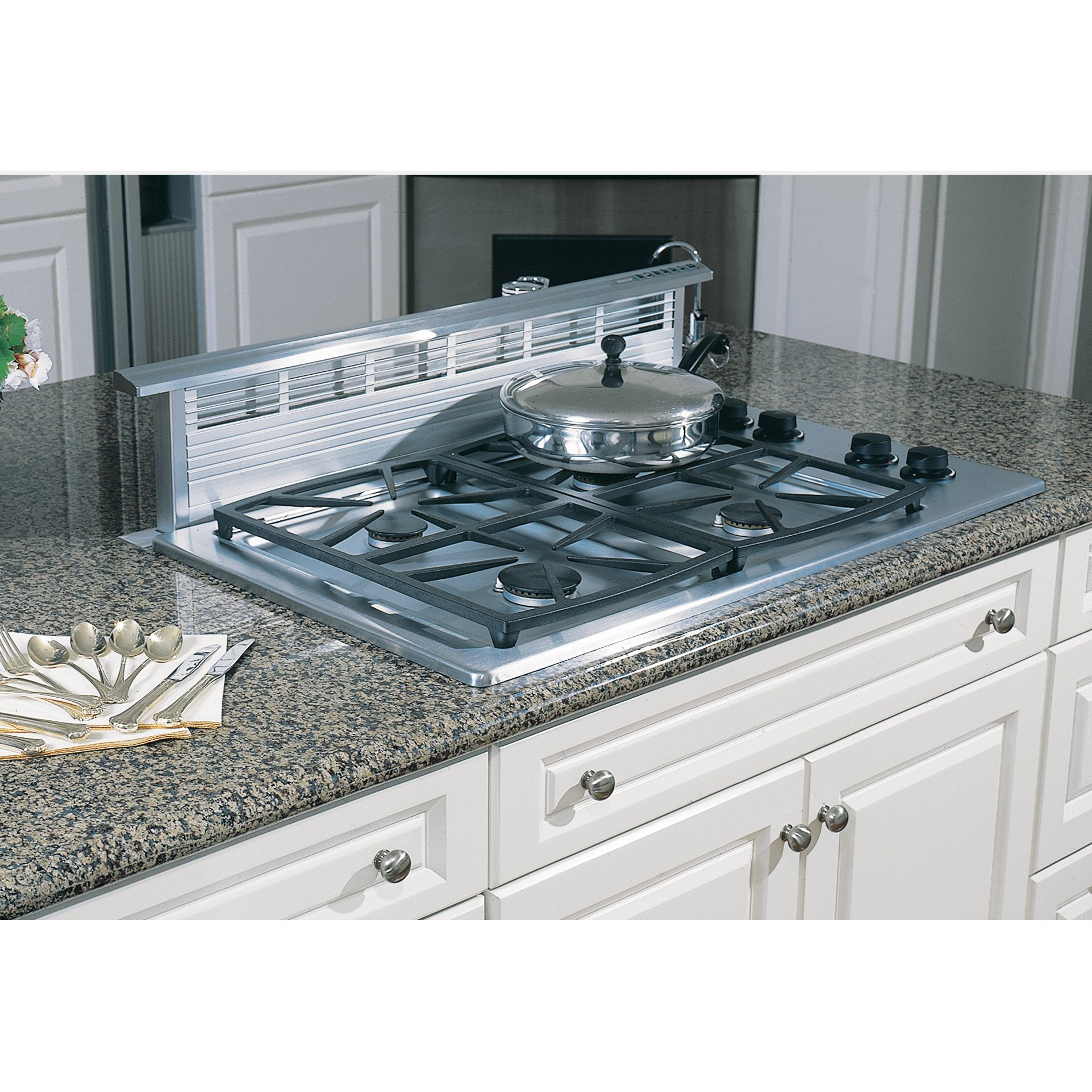 "Dacor SGM304SLP Classic 30"" Gas Cooktop, Stainless Steel - Liquid Propane"
