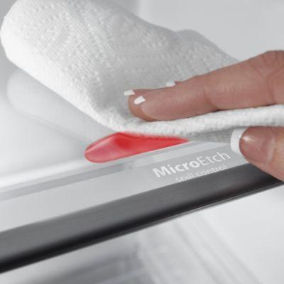 Whirlpool 22.0 cu. ft. Side-by-Side Refrigerator w/ Accu-Chill™ - Black