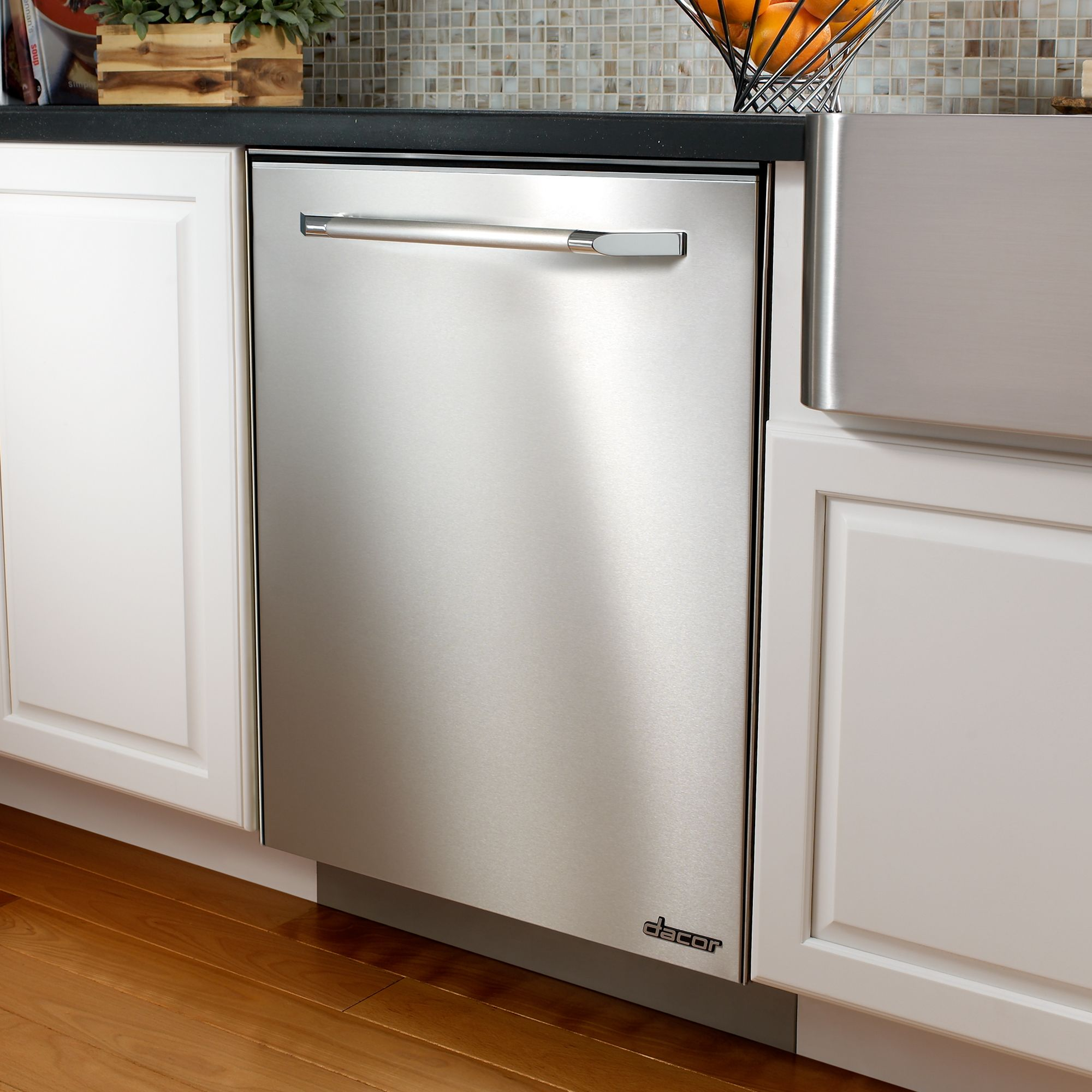 Dacor Renaissance 24 in. Built-In Dishwasher (EDWH24S)