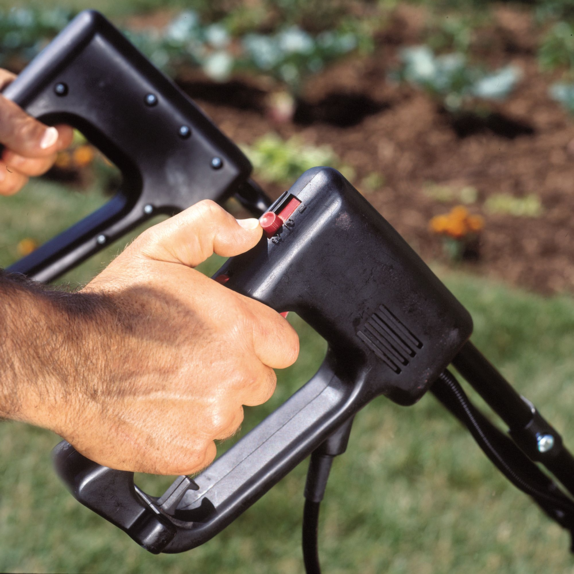 Mantis Electric Mini Tiller/Cultivator