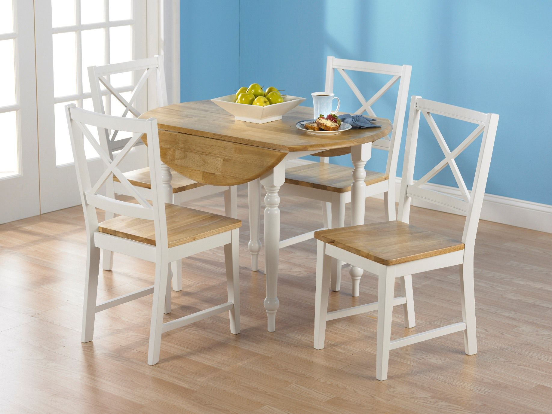 5 pc. Virginia Dining Set in white/natural