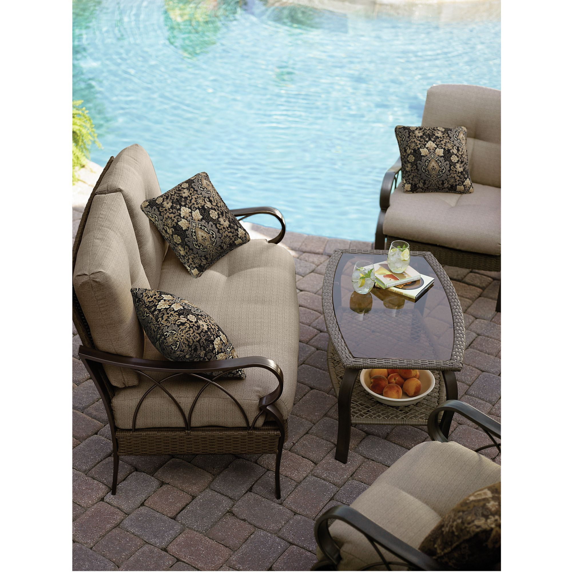 La-Z-Boy Outdoor Logan 4 Pc. Seating Set *Limited Availability