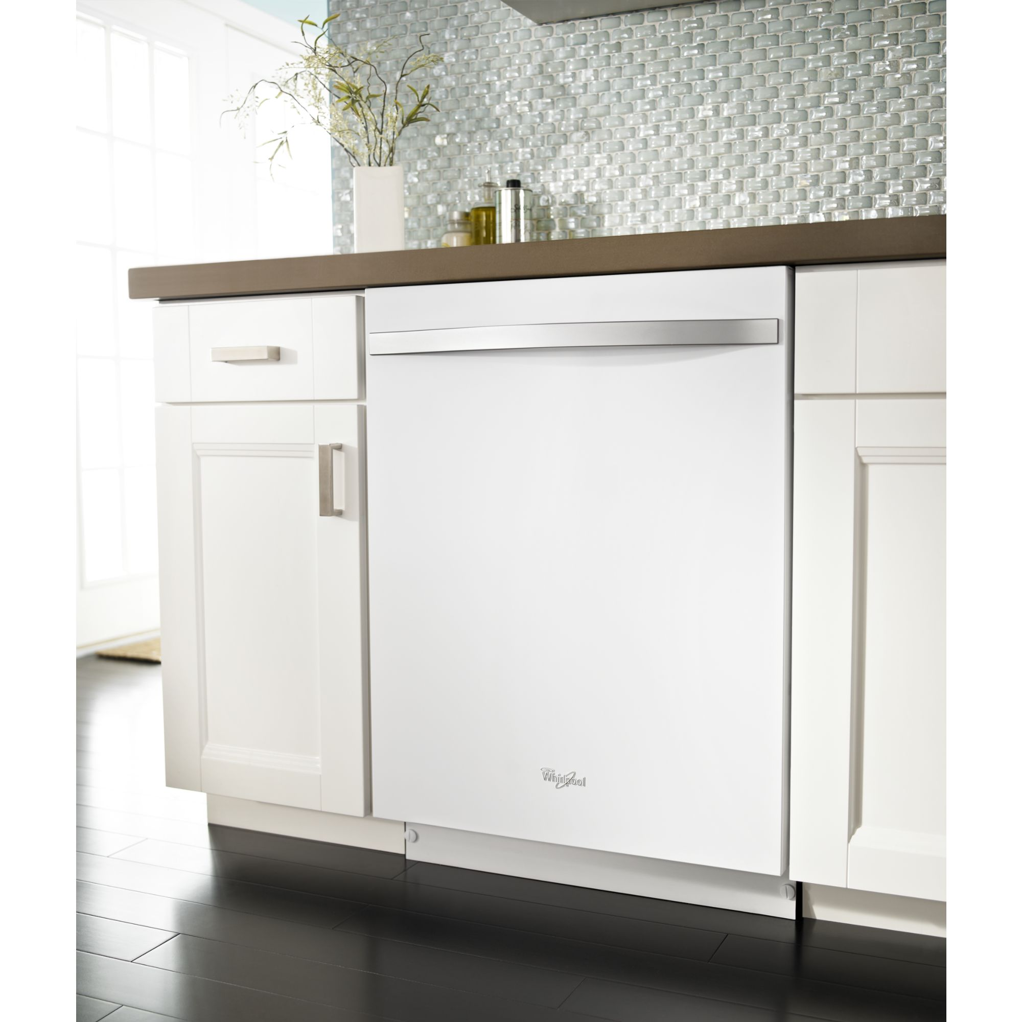 "Whirlpool 24"" Built-In Dishwasher w/ PowerScour™ Option - White Ice"