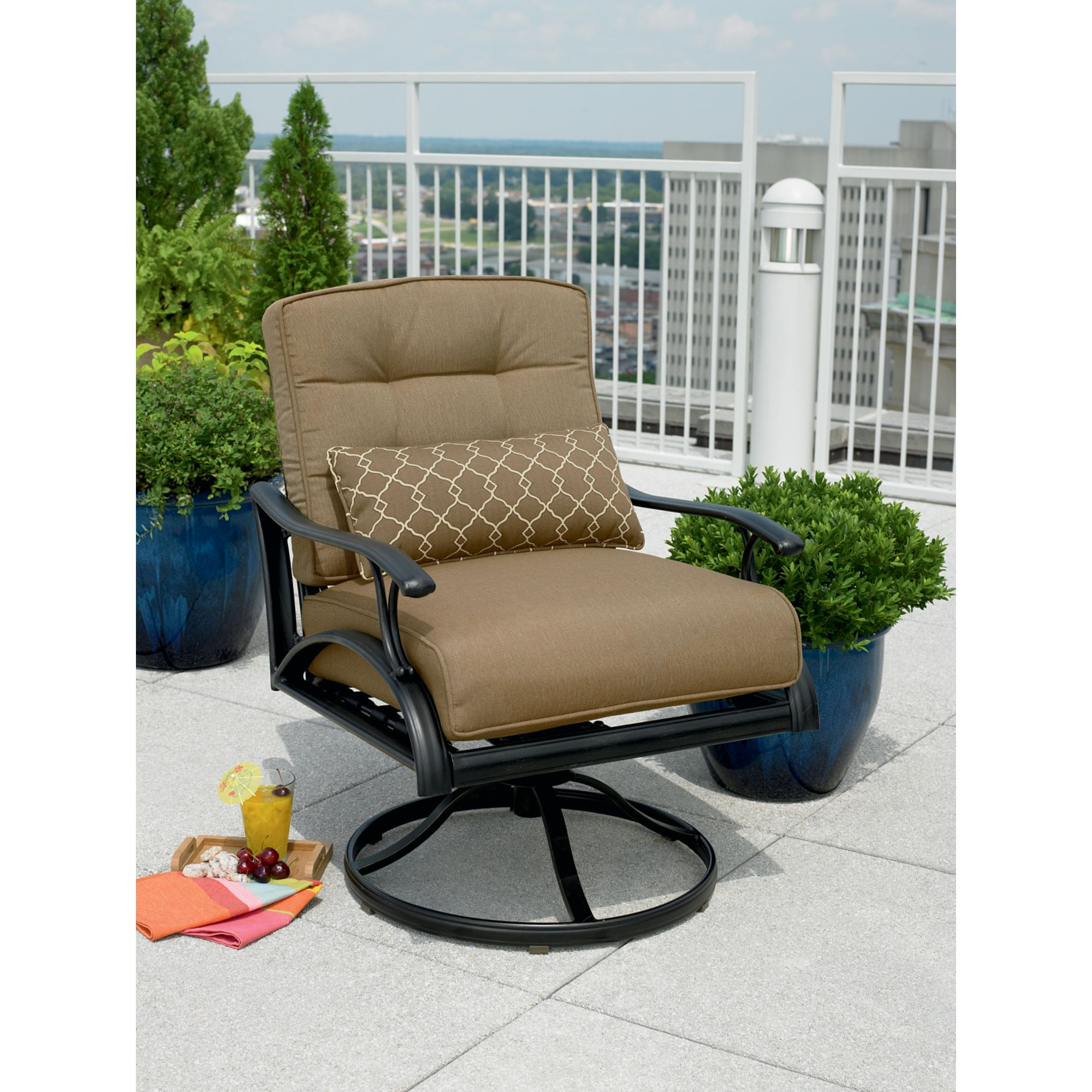 La-Z-Boy Outdoor Caitlyn 4 Pc. Seating Set