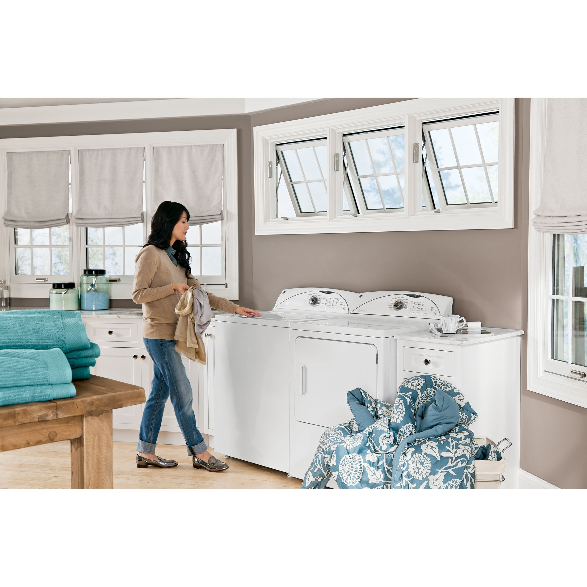 GE 7.0 cu. ft. Electric Dryer - White