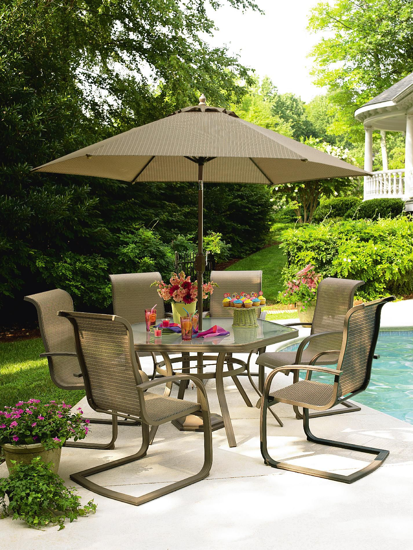 Garden Oasis Grandview 9 Ft. Market Umbrella