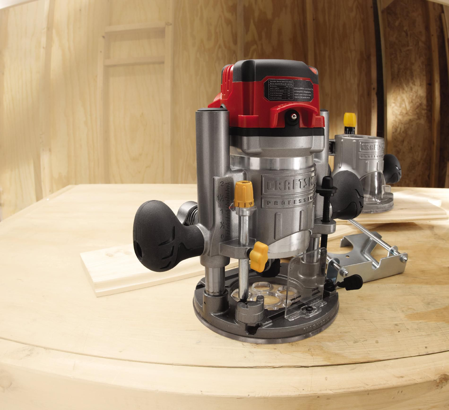 Craftsman 14-amp, 2.5-hp Fixed/Plunge Base Router with Soft Start Technology