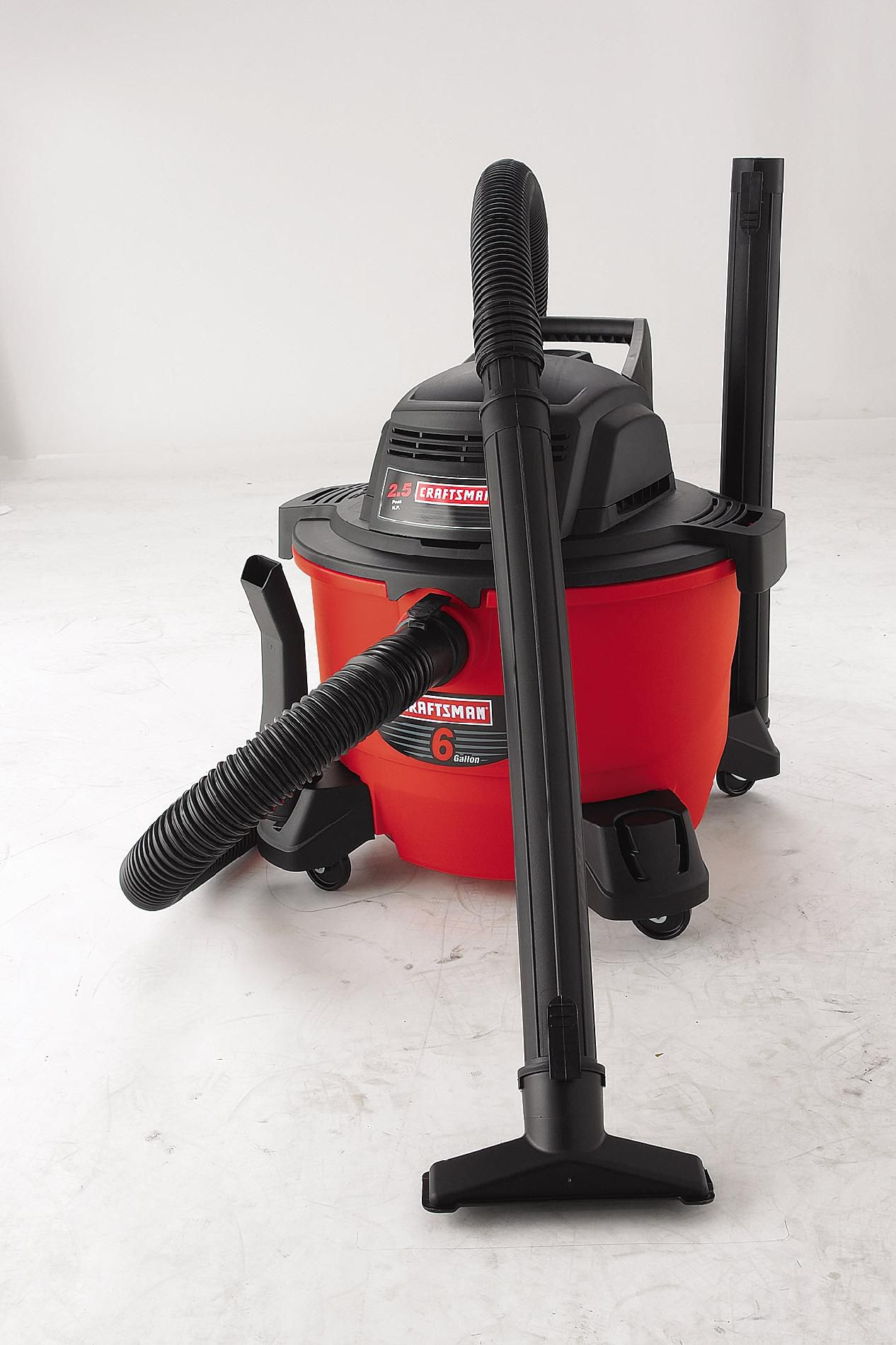 Craftsman 6 gal. 2.5 Peak HP Wet/Dry Vac