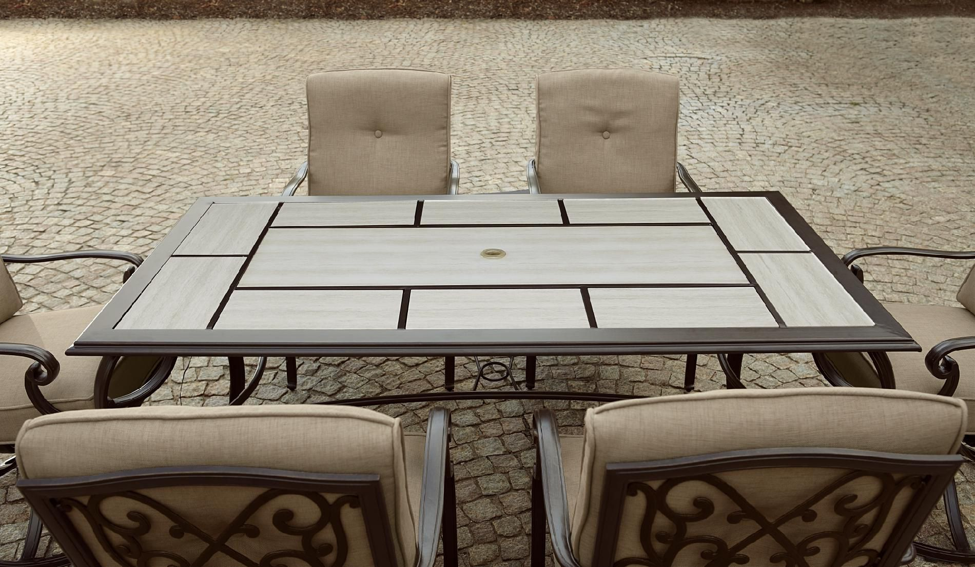La-Z-Boy Outdoor Halley 7pc Dining Set with Lighted Table *Limited Availability