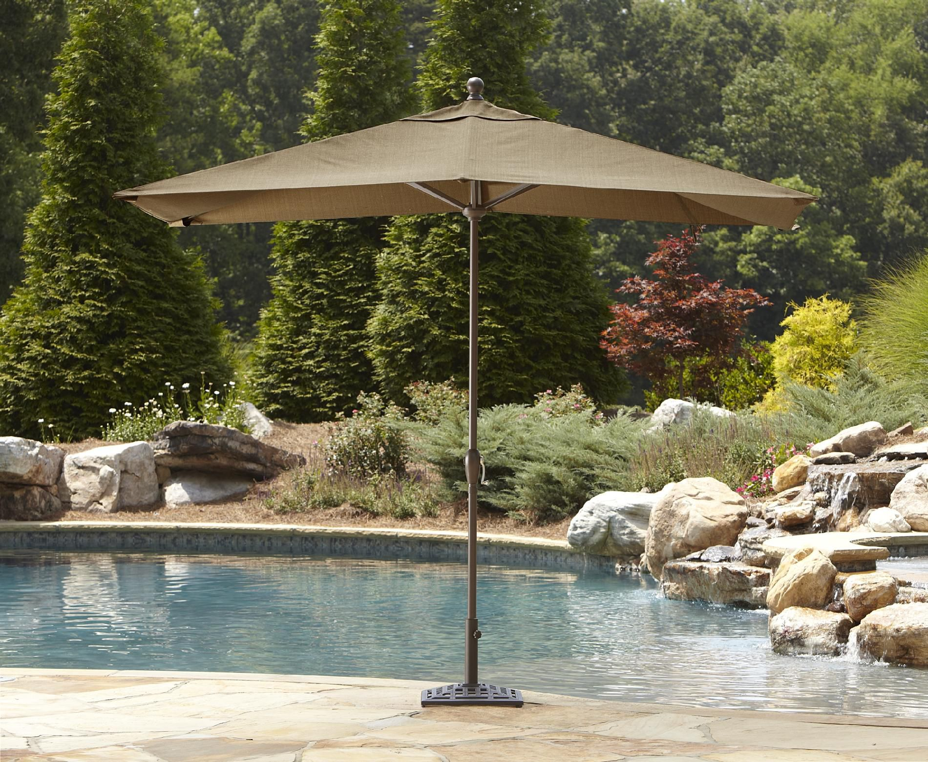 Garden Oasis Dewitt Umbrella Base
