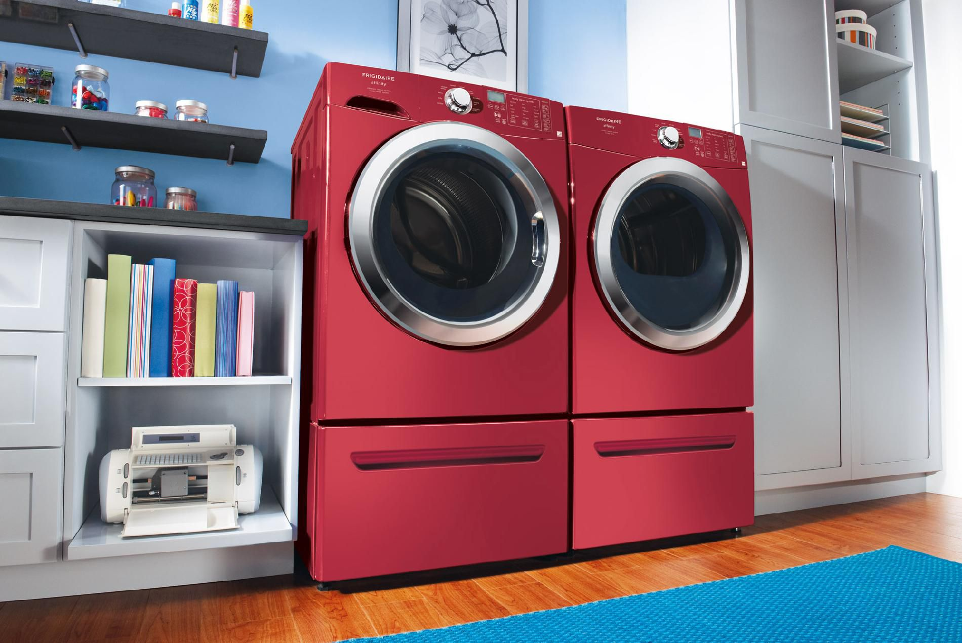 Frigidaire 7.0 cu. ft. Ready Steam™ Gas Dryer w/ Stainless Steel Drum - Classic Red