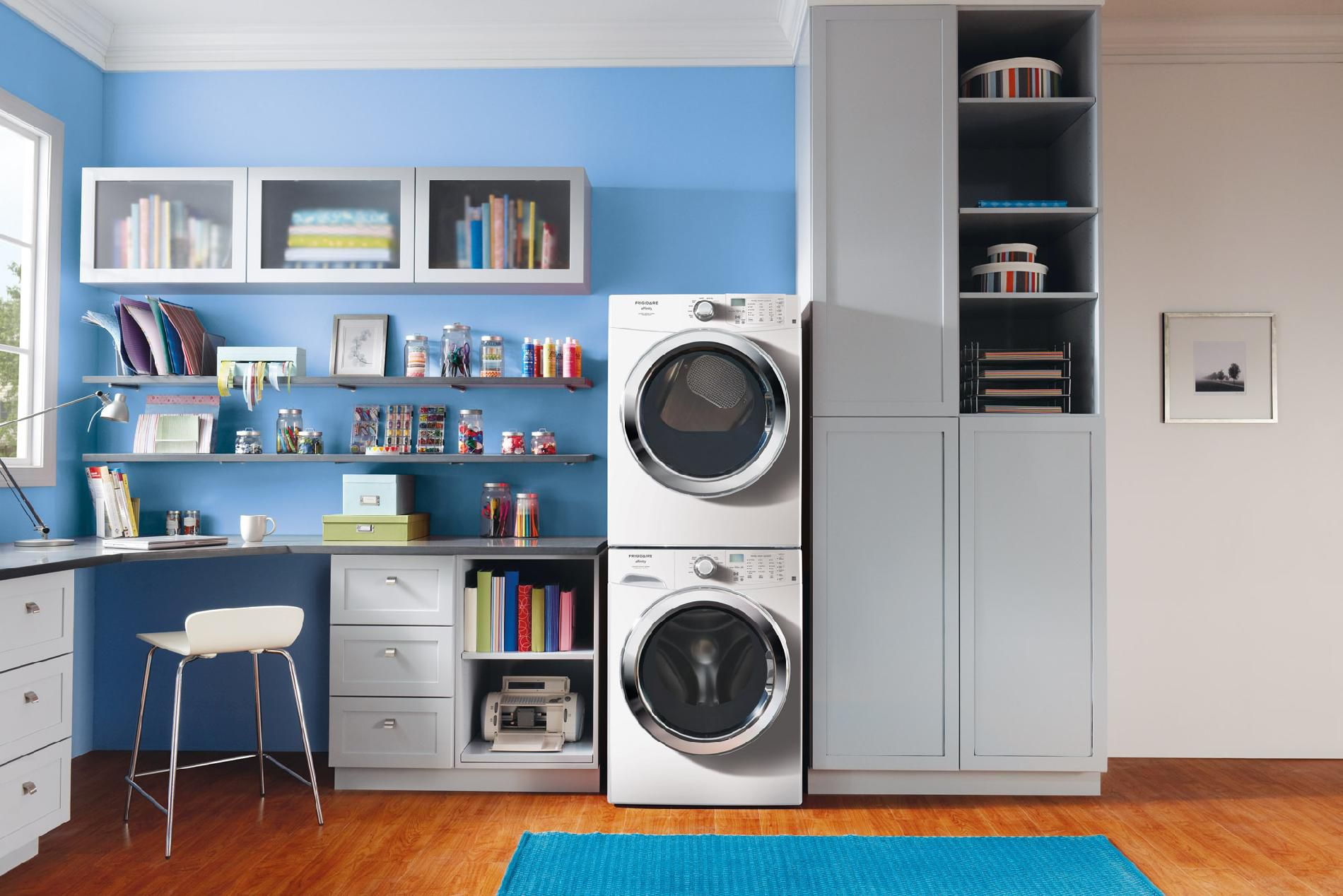 Frigidaire Affinity 3.9 cu. ft. Front-Load Washer  w/Ready Clean™ & Ready Steam&#8482 - Classic White