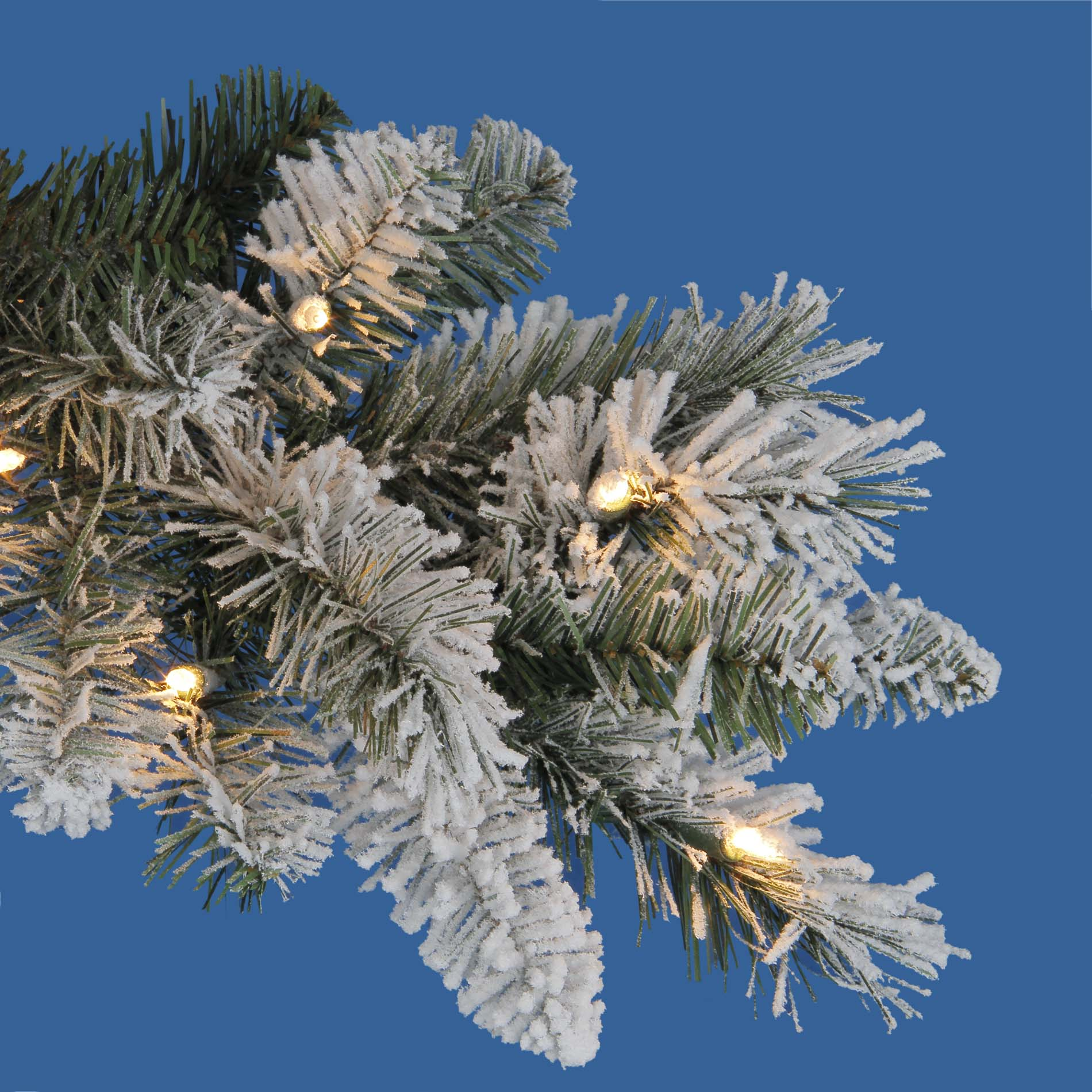 Donner and Blitzen 7.5' 600 Clear Light Pre-lit Brighton Flocked Spruce Christmas Tree