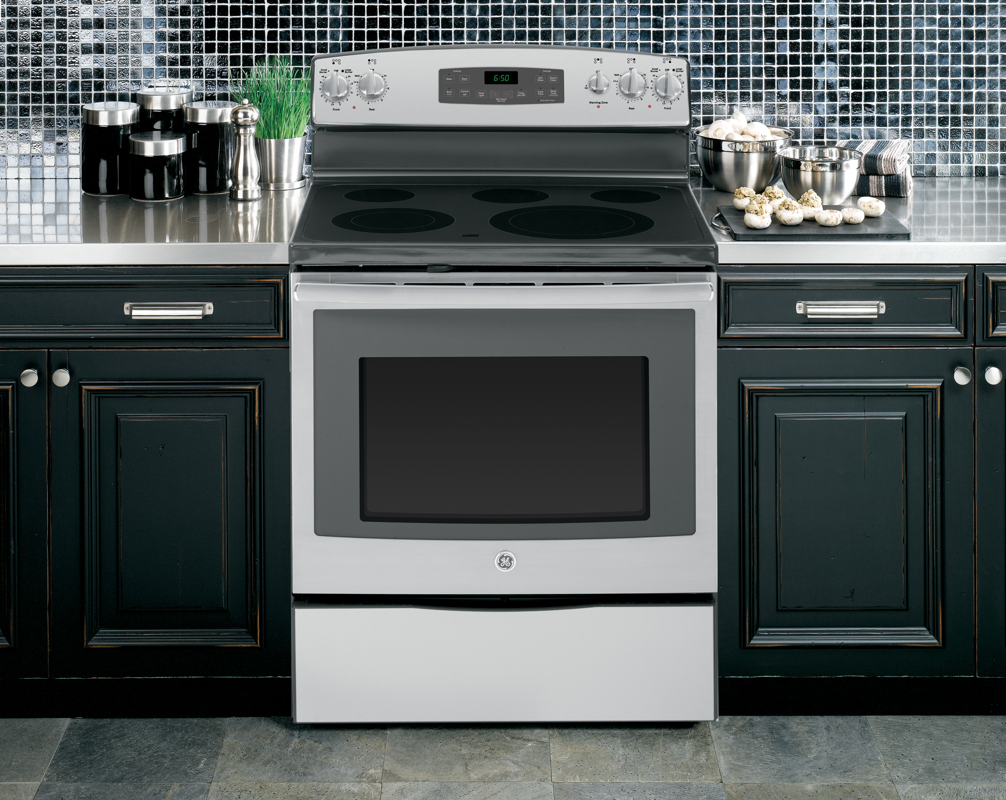 GE Appliances JB650SFSS 5.3 cu. ft. Electric Range - Stainless