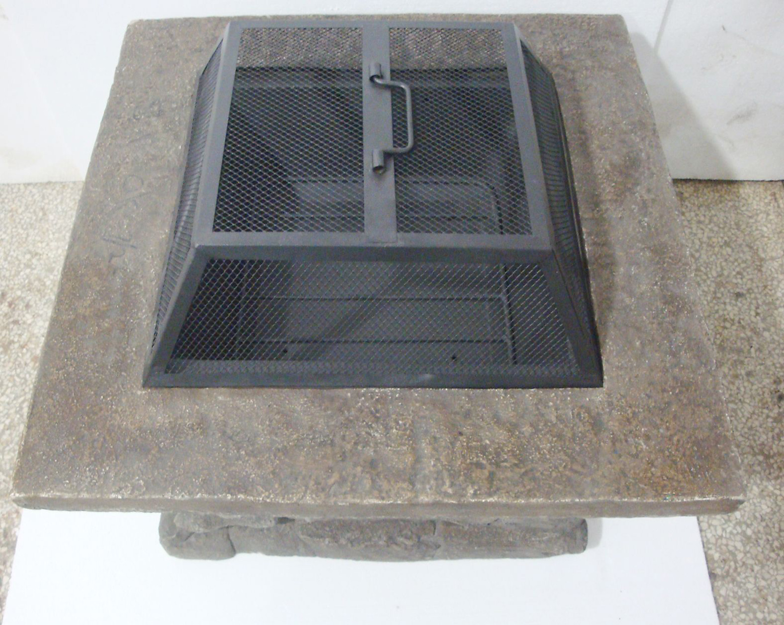 Garden Oasis Slate Rock Fire Pit* Limited Availability