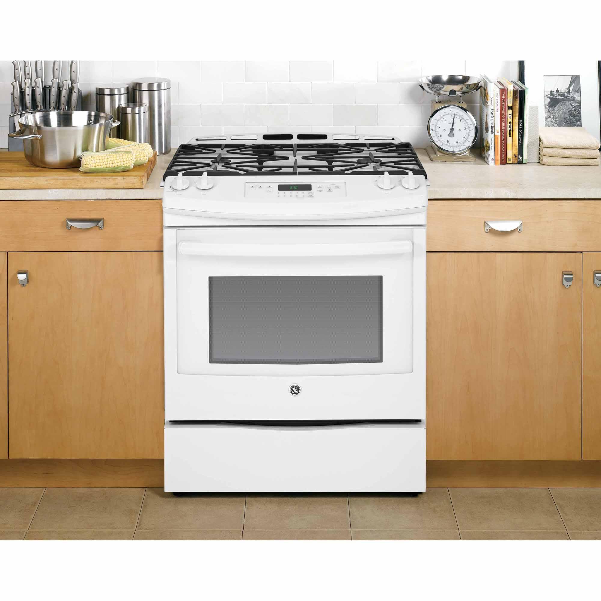 """GE Appliances JGS650DEFWW 30"""" Slide-In Gas Range - White"""