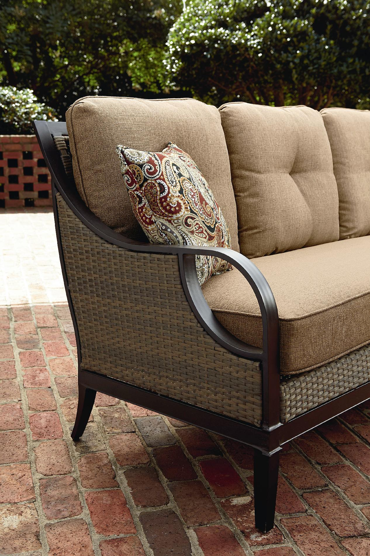 La-Z-Boy Outdoor Charlotte Sofa