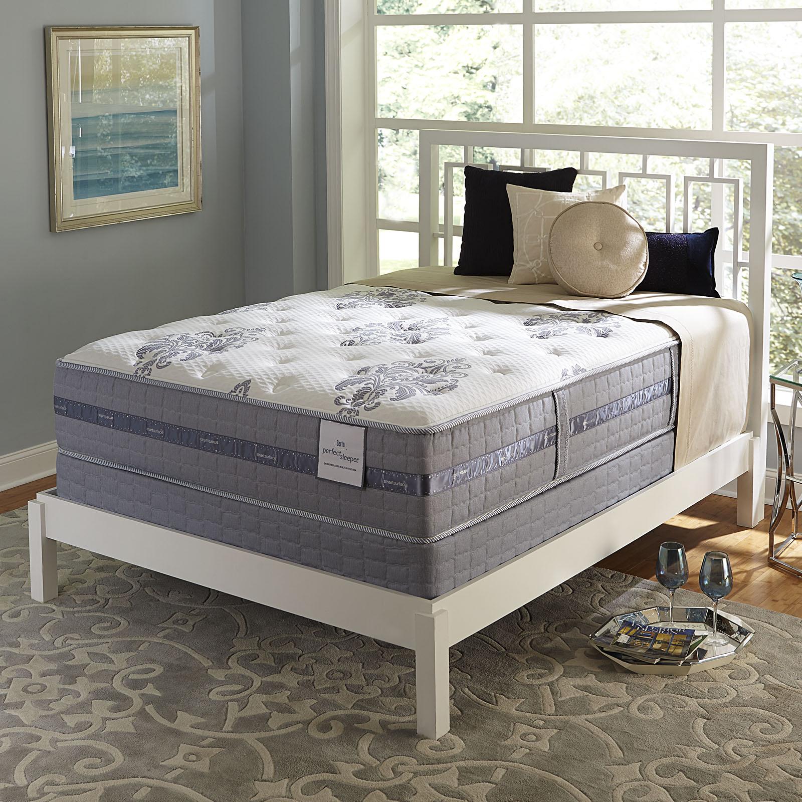 Serta Perfect Sleeper Perfect Sleeper Castlemoor Firm Queen  Mattress Only