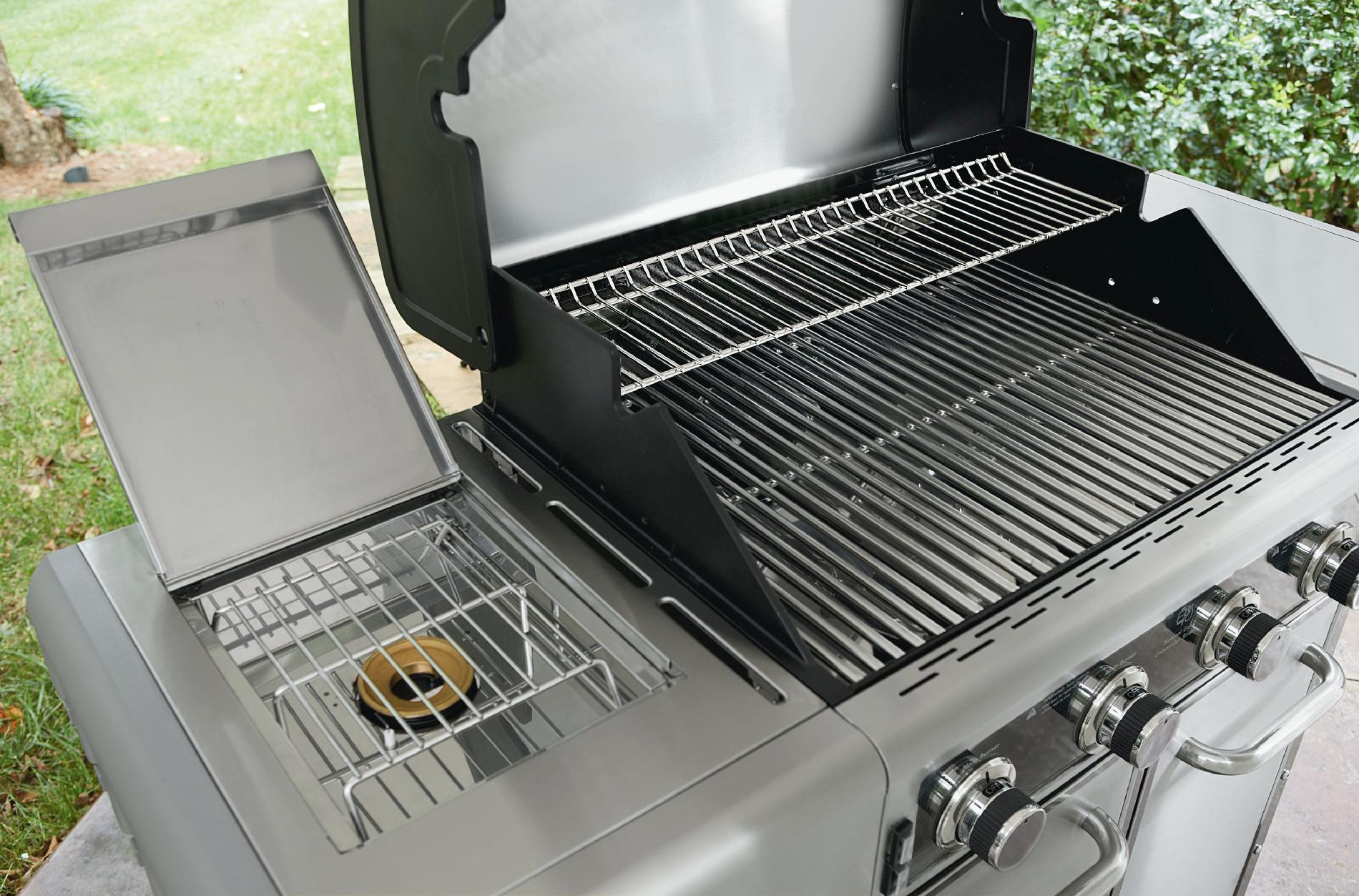 ... 071033579000 600 Series 4 Burner Dual Fuel Stainless Steel Gas Grill