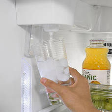 how to clean water despenser of freezer of commerical freezer