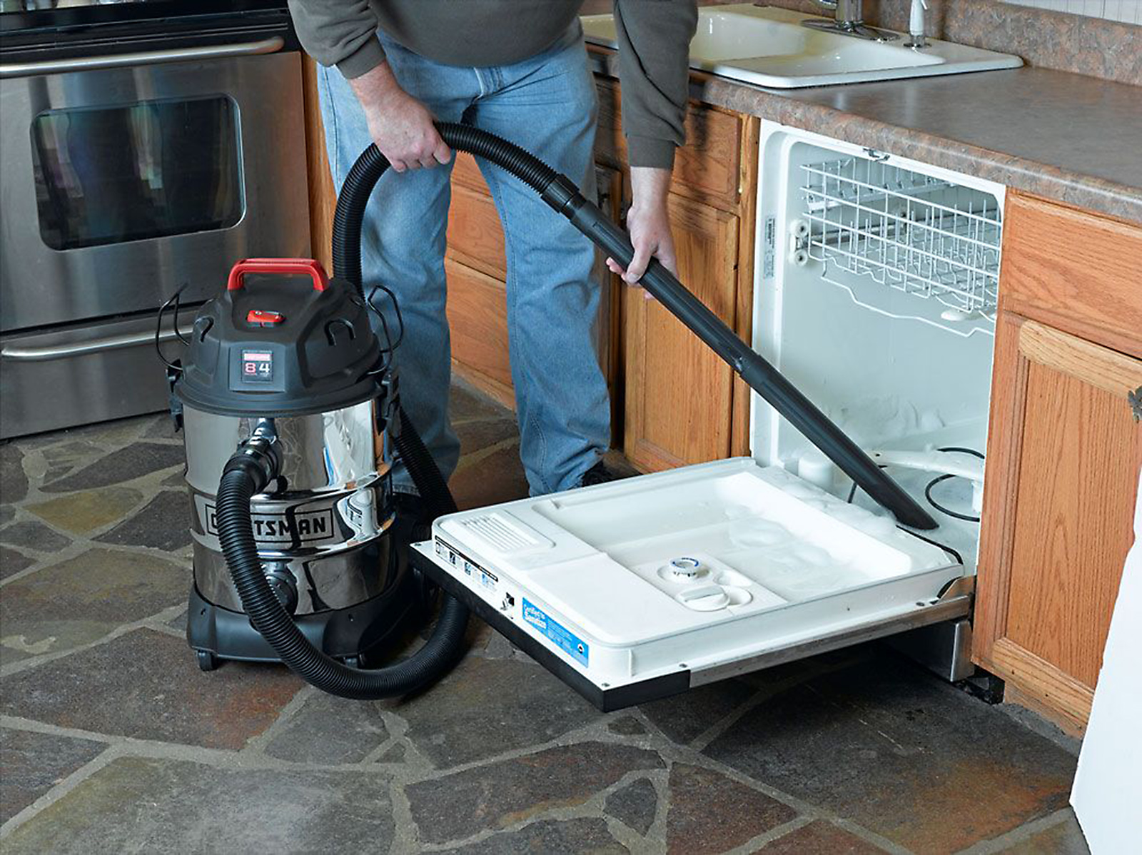 Craftsman 8 Gallon Stainless Steel 4 Peak HP Wet/Dry Vac