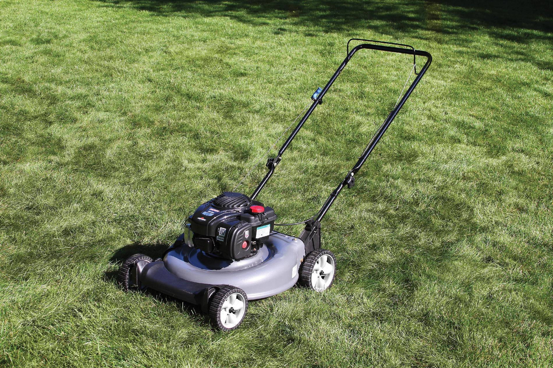 Craftsman 140cc* Briggs & Stratton Engine, Low Wheel Side Discharge Push Mower