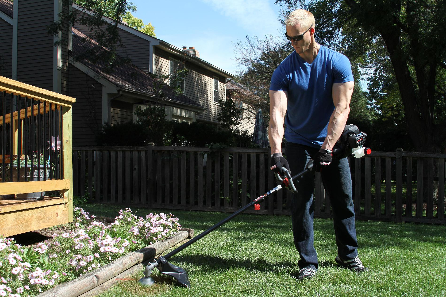 Craftsman 27cc* 2-Cycle Straight Shaft WeedWacker™Gas Trimmer.
